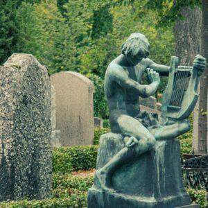 kyrkogårdsvandring (dekorativ bild)